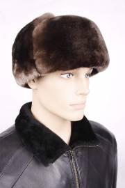 Шапка из коричневой овчины с черной кожей ОМ-18