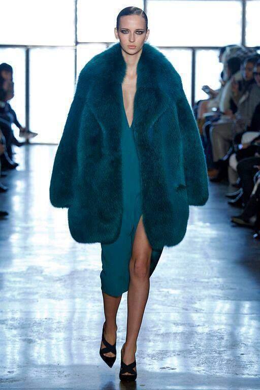 открытая куртка из лисицы арктической бирюзовой