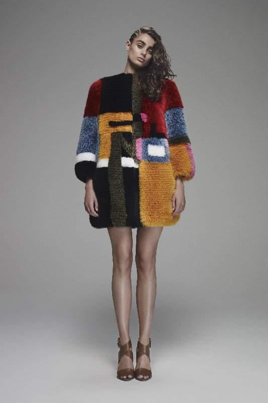 куртка из лисицы разноцветная фото