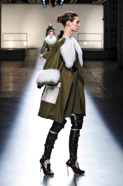 пальто с лисицей sun glo фото